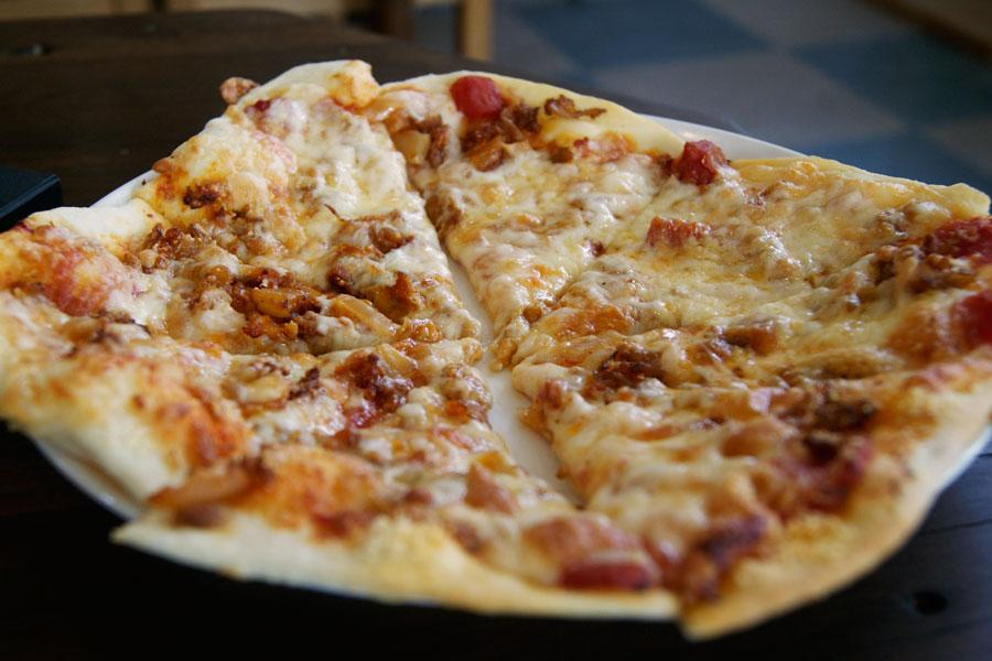 ぶたキムチピザ